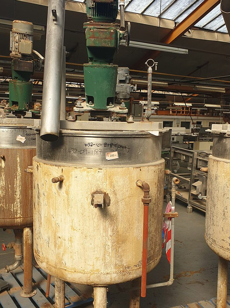 Chocolate Holding Tank with mixer (1)